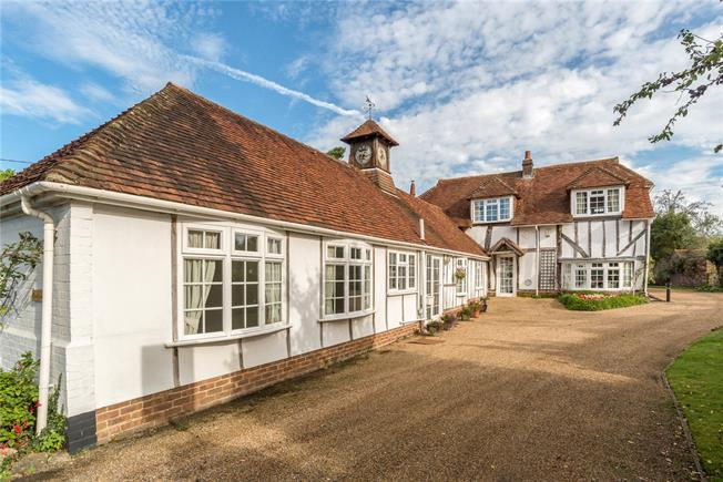 Offers in excess of £950,000, 4 Bedroom Detached House For Sale in The Haven, RH14