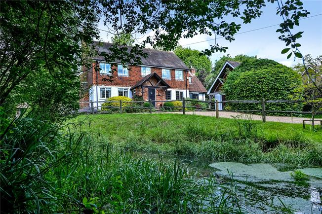 Offers in excess of £1,000,000, 4 Bedroom Detached House For Sale in Rudgwick, RH12