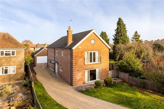 Guide Price £1,100,000, 6 Bedroom Detached House For Sale in Horsham, RH12