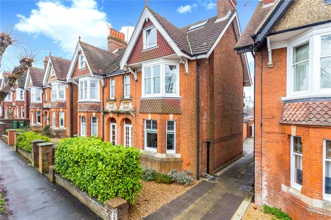 Guide Price £750,000, 5 Bedroom Semi Detached House For Sale in Horsham, RH12