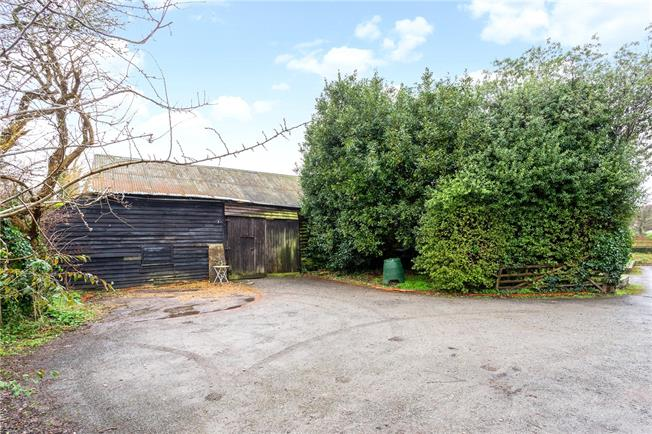 Offers in excess of £250,000, 4 Bedroom House For Sale in Steyning, West Sussex, BN44