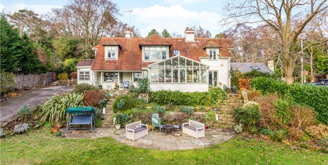 Offers in the region of £1,050,000, 4 Bedroom Detached House For Sale in Fittleworth, RH20