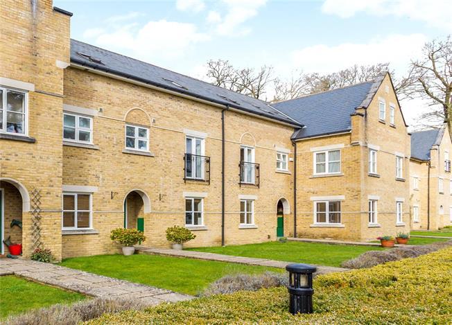 Guide Price £675,000, 5 Bedroom Mews House For Sale in Warnham, RH12