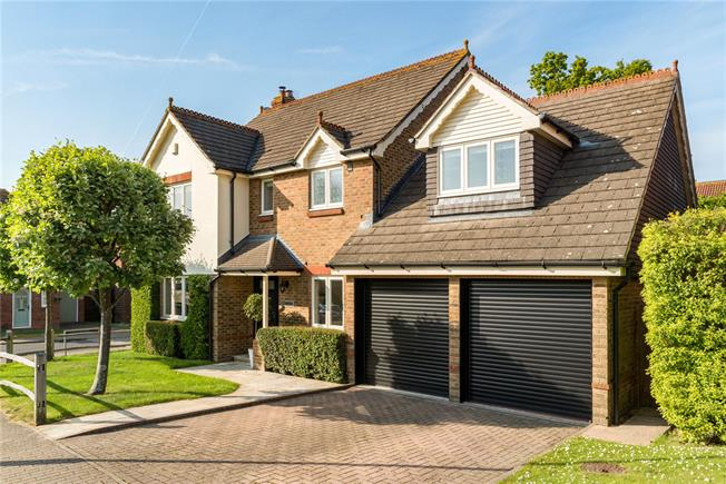 Offers in the region of £750,000, 4 Bedroom Detached House For Sale in West Sussex, RH12