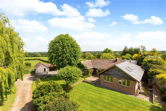 Guide Price £699,950, 3 Bedroom Bungalow For Sale in West Sussex, RH13