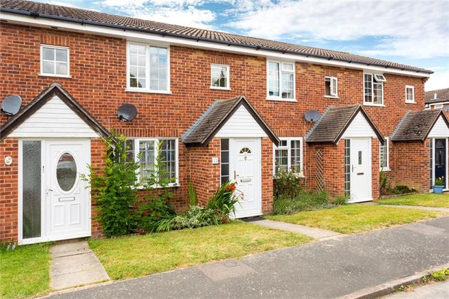 Guide Price £315,000, 3 Bedroom Terraced House For Sale in West Sussex, RH12