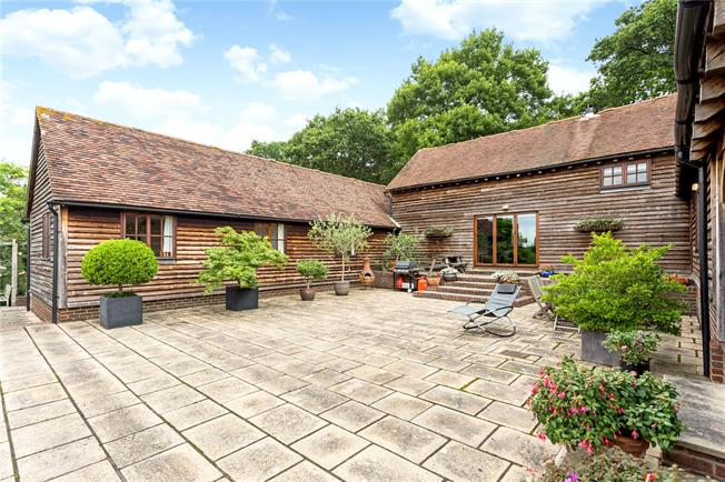Guide Price £1,195,000, 4 Bedroom House For Sale in Lower Beeding, RH13