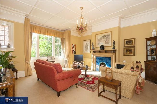Asking Price £1,175,000, 5 Bedroom Semi Detached House For Sale in Brighton, BN1