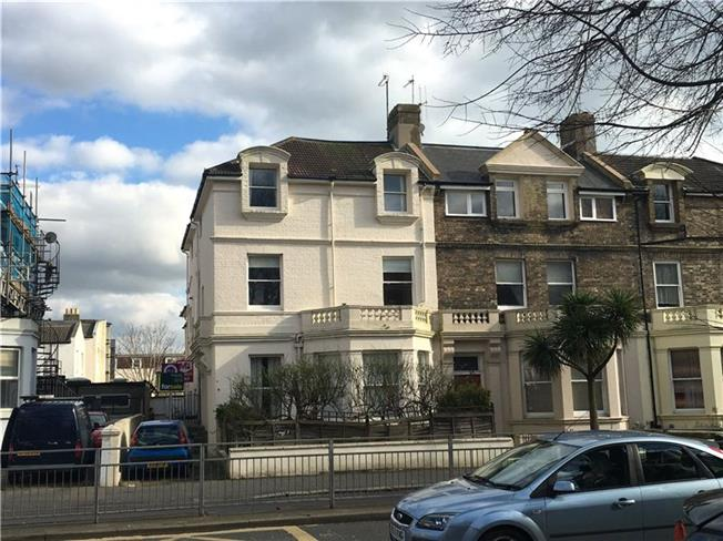 Asking Price £195,000, 1 Bedroom Flat For Sale in East Sussex, BN3