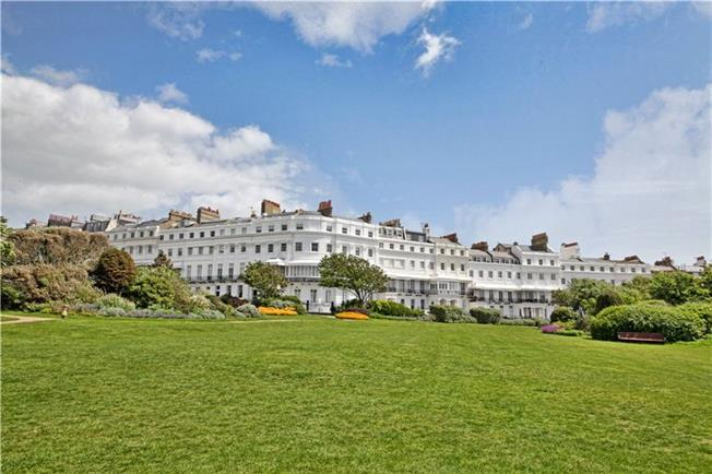 Asking Price £675,000, 2 Bedroom Flat For Sale in East Sussex, BN2