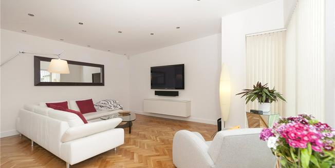 Asking Price £1,100,000, 3 Bedroom Detached House For Sale in Hove, BN3