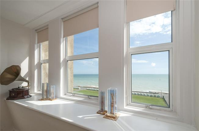 Asking Price £575,000, 3 Bedroom Flat For Sale in Hove, BN3
