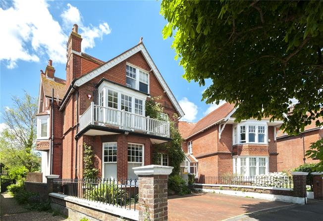 Asking Price £2,250,000, 7 Bedroom Detached House For Sale in Hove, BN3