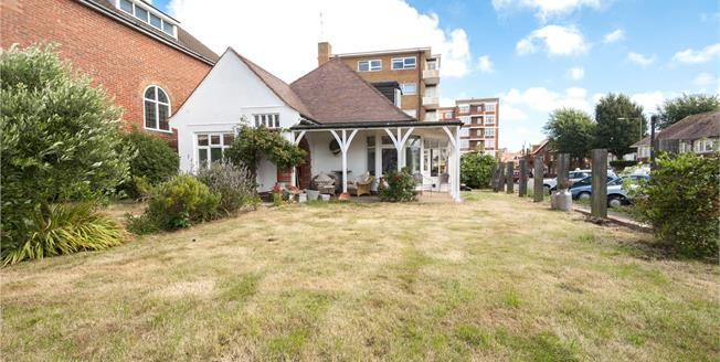 Asking Price £900,000, 4 Bedroom Bungalow For Sale in East Sussex, BN3