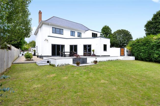 Asking Price £1,350,000, 5 Bedroom Detached House For Sale in East Sussex, BN3