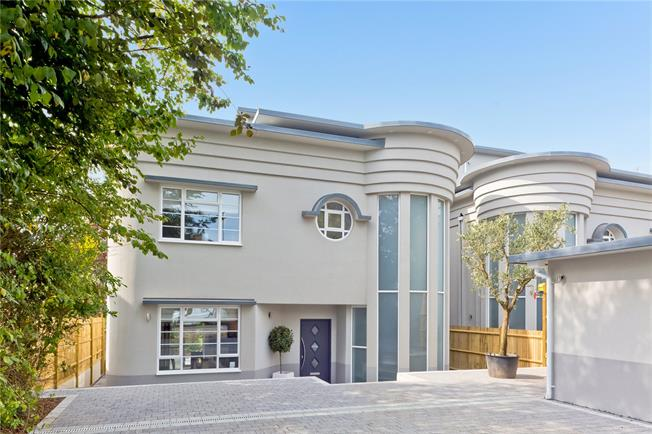 Guide Price £1,600,000, 4 Bedroom Detached House For Sale in East Sussex, BN3