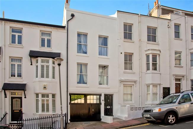 Asking Price £975,000, 3 Bedroom Garage For Sale in Brighton, BN1
