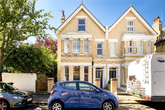 Guide Price £875,000, 5 Bedroom Semi Detached House For Sale in Hove, BN3