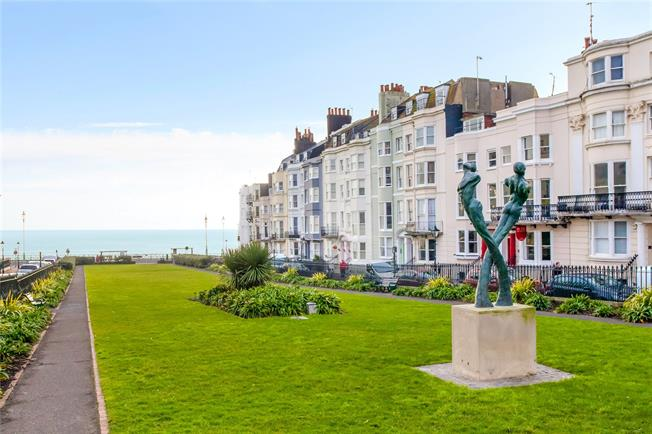 Asking Price £235,000, 1 Bedroom Flat For Sale in East Sussex, BN2