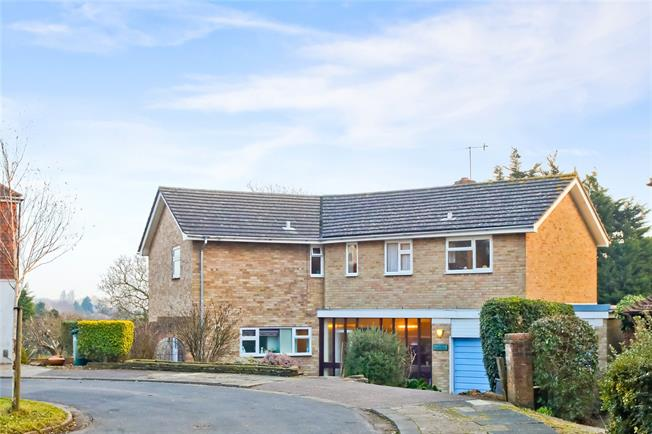 Asking Price £1,200,000, 5 Bedroom Detached House For Sale in East Sussex, BN3