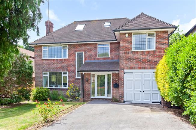 Guide Price £1,100,000, 5 Bedroom Detached House For Sale in Hove, BN3