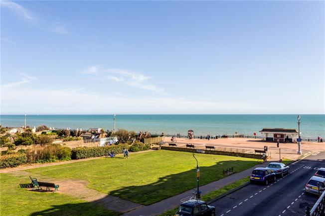 Asking Price £650,000, 3 Bedroom Flat For Sale in Hove, East Sussex, BN3