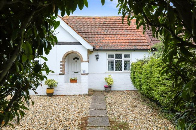 Guide Price £325,000, 3 Bedroom Bungalow For Sale in West Sussex, BN15
