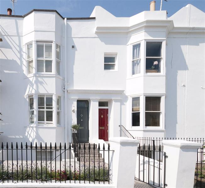 Asking Price £450,000, 2 Bedroom Flat For Sale in Hove, BN3