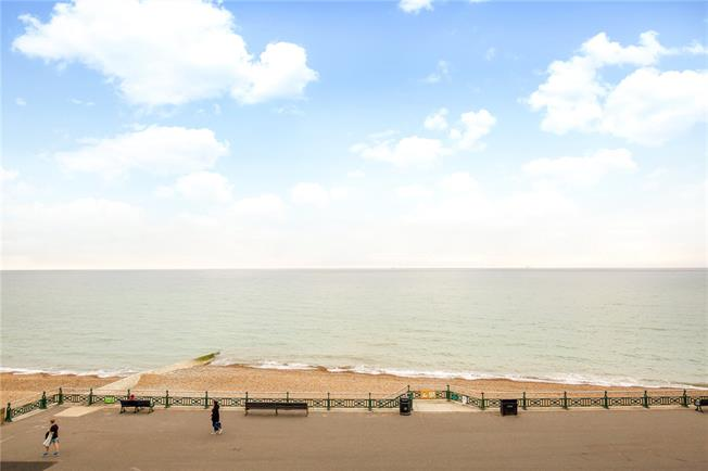 Guide Price £895,000, 2 Bedroom Flat For Sale in Hove, BN3
