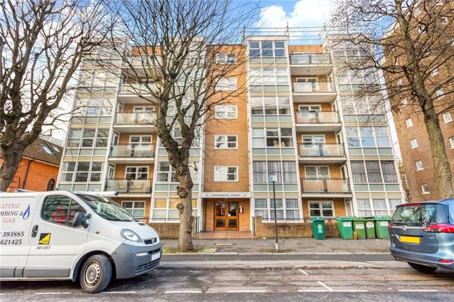 Asking Price £325,000, 2 Bedroom Flat For Sale in Hove, BN3