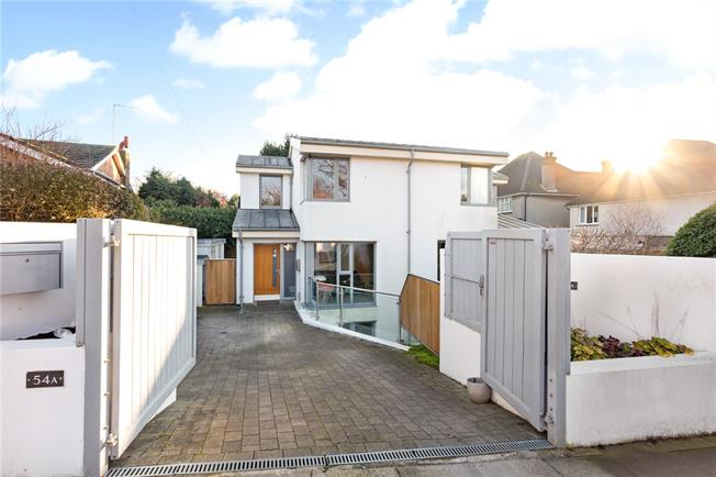 Asking Price £975,000, 4 Bedroom Detached House For Sale in Hove, BN3