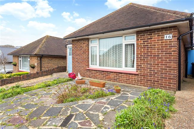 Asking Price £440,000, 3 Bedroom Bungalow For Sale in Hove, BN3