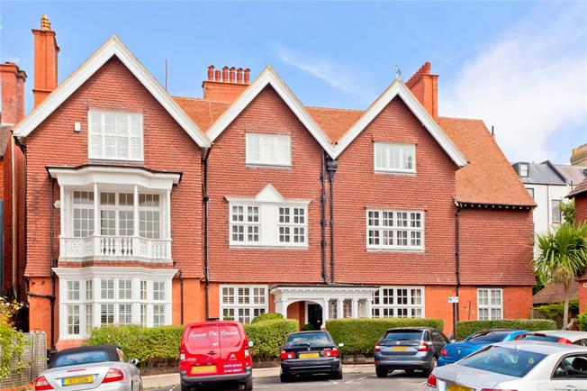 Guide Price £799,950, 2 Bedroom Flat For Sale in East Sussex, BN3