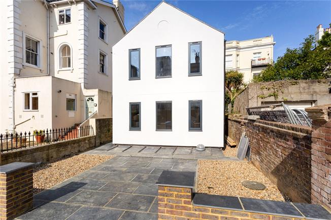 Asking Price £1,200,000, 4 Bedroom Detached House For Sale in Hove, BN3