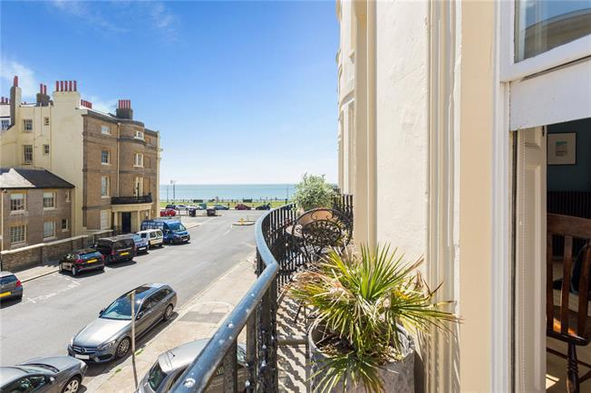 Asking Price £795,000, 2 Bedroom Flat For Sale in East Sussex, BN3