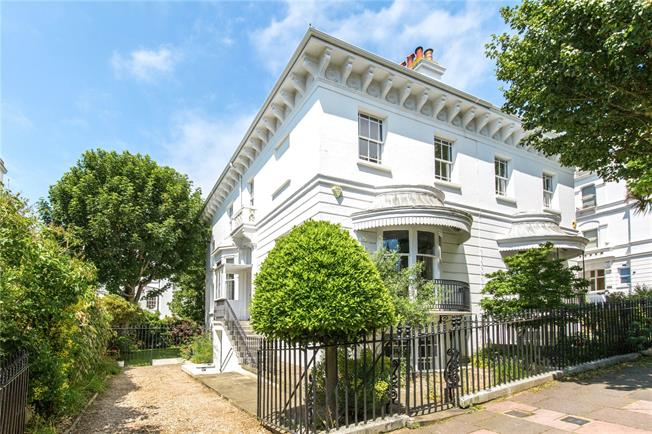 Asking Price £2,000,000, 5 Bedroom Semi Detached House For Sale in East Sussex, BN1