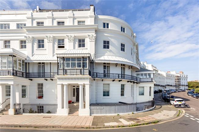 Guide Price £750,000, 2 Bedroom Flat For Sale in East Sussex, BN2