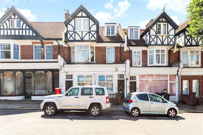 Asking Price £450,000, 4 Bedroom Flat For Sale in East Sussex, BN3