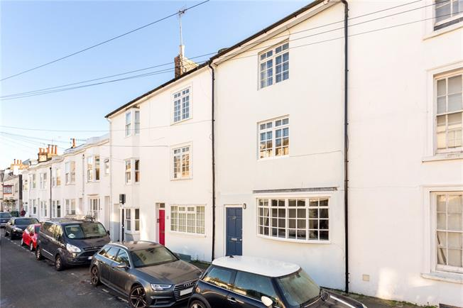 Asking Price £650,000, 3 Bedroom Terraced House For Sale in Brighton, BN1
