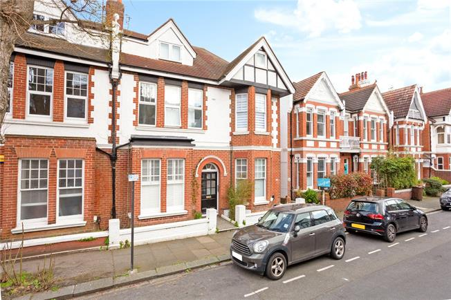 Offers in excess of £250,000, 1 Bedroom Flat For Sale in East Sussex, BN3