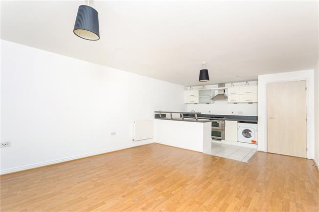 Asking Price £275,000, 1 Bedroom Flat For Sale in Brighton, BN1