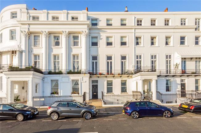 Asking Price £825,000, 3 Bedroom Flat For Sale in East Sussex, BN2