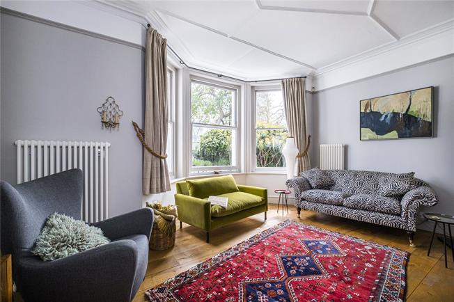 Asking Price £1,350,000, 2 Bedroom Flat For Sale in London, N5