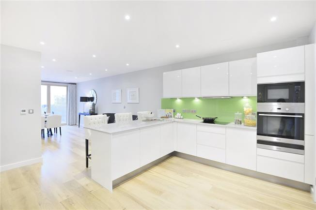 Asking Price £1,840,000, 3 Bedroom For Sale in London, N1