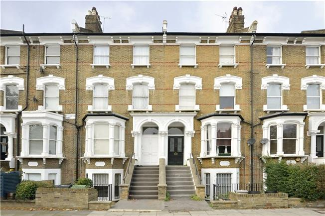 Offers in excess of £899,950, 3 Bedroom Flat For Sale in London, N5