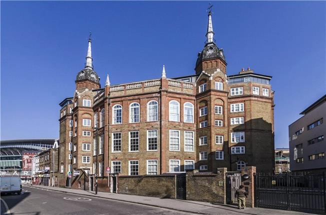 Asking Price £999,950, 3 Bedroom Flat For Sale in London, N7