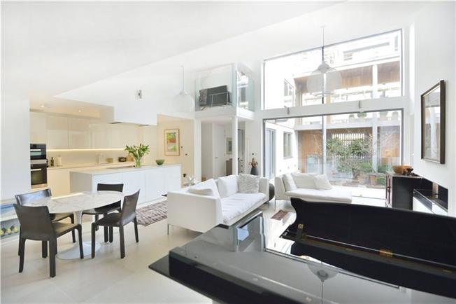 Asking Price £2,500,000, 3 Bedroom Terraced House For Sale in London, N1