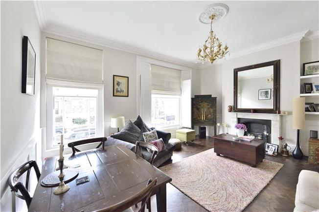 Asking Price £1,150,000, 2 Bedroom Flat For Sale in London, N1