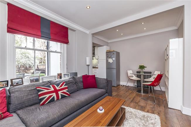 Offers in excess of £699,950, 2 Bedroom Flat For Sale in London, N1