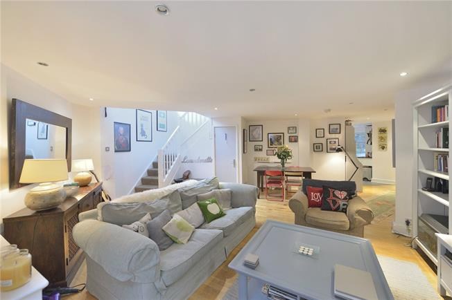 Asking Price £899,950, 2 Bedroom Flat For Sale in London, EC1V